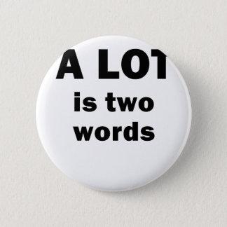 Badge Est beaucoup deux mots