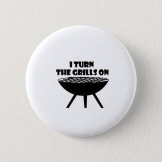 Badge Je tourne les grils sur l'amusement de cuisinier