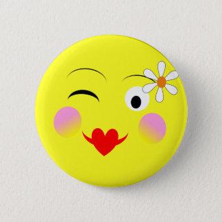 Badge Le smiley drôle de style d'Emoji fait face au