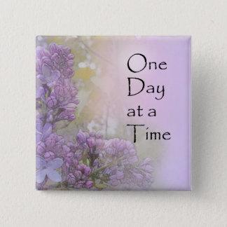 Badge Lilas d'un jour à la fois