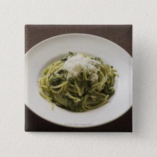 Badge Linguine avec le pesto et le parmesan