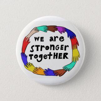 Badge Plus fort boutonnez ensemble