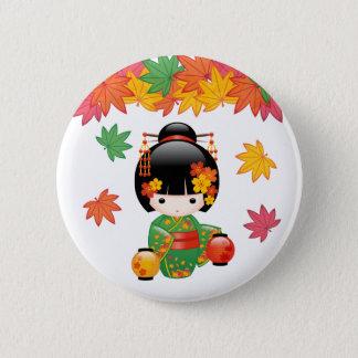 Badge Poupée de Kokeshi de chute - fille de geisha verte
