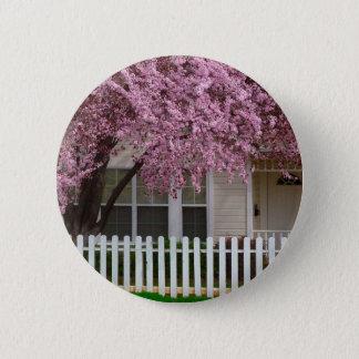 Badge Rond 5 Cm Arbre de floraison dans les banlieues