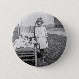 Badge Rond 5 Cm Fille de ferme et ses amis de poupée vintages