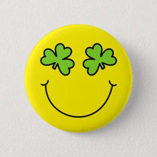 Badge Rond 5 Cm Le shamrock du jour de St Patrick observe le