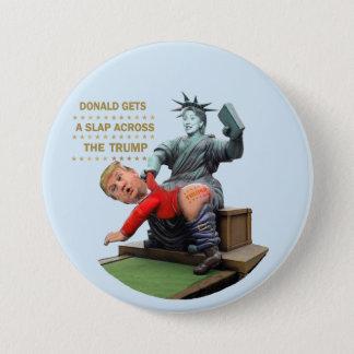 Badge Rond 7,6 Cm Hillary contre l'atout