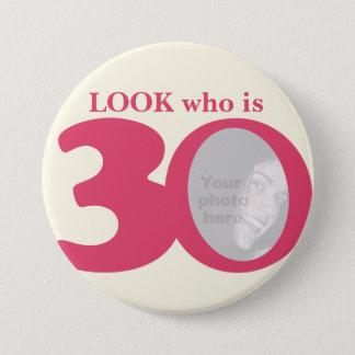 Badge Rond 7,6 Cm Regardez qui est bouton/insigne de crème de rose