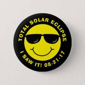 Badge Visage total de smiley de cool d'éclipse solaire