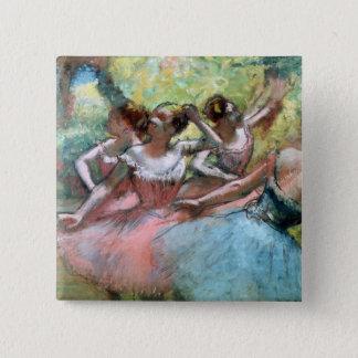 Badges Edgar Degas   quatre ballerines sur l'étape