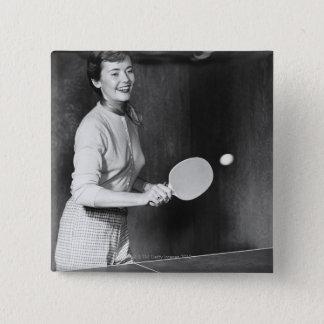 Badges Femme jouant au ping-pong