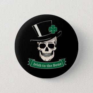 Badges Irlandais du jour de St Patrick drôle au crâne