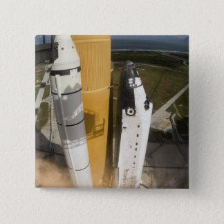 Badges La navette spatiale l'Atlantide enlève 17