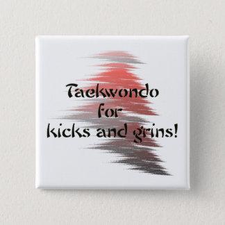 Badges Le Taekwondo donne un coup de pied et les grimaces