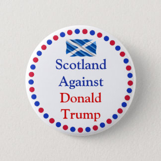 Badges L'Ecosse contre le bouton de Donald Trump