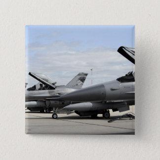 Badges Les Falcons F-16 de combat attendent pour lancer