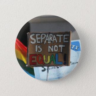 Badges Separate n'est pas bouton égal