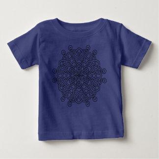 Badine le bleu de T-shirt avec le mandala