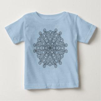 Badine le T-shirt bleu avec le mandala