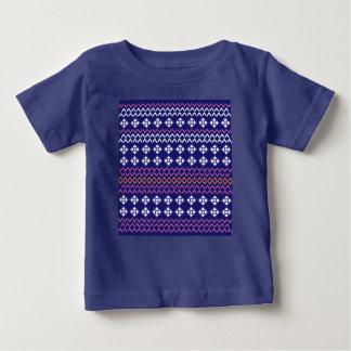 Badine le T-shirt de bébé avec la structure/bleu