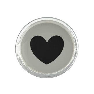 Bague Avec Photo Coeurs noirs de polka sur le gris de Pussywillow