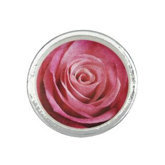 Bague Fleur de rose de rose avec la texture grunge