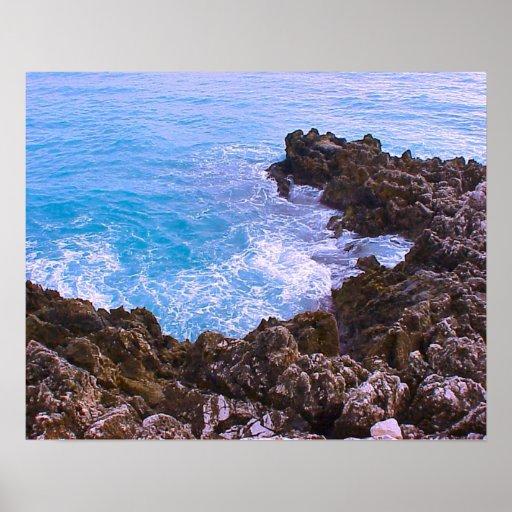Baie rocheuse méditerranéenne, la Côte d'Azur agré Posters