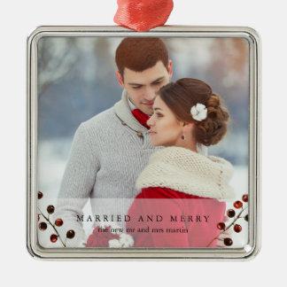 Baies d'hiver mariées et joyeux ornement de photo