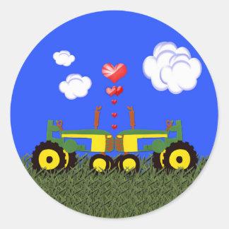 Baisers de tracteurs sticker rond