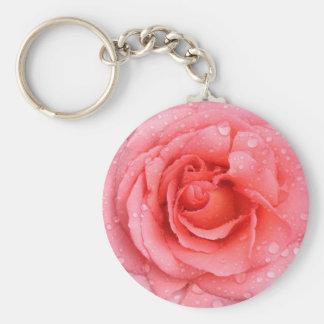 Baisses roses romantiques de l'eau rose porte-clé rond