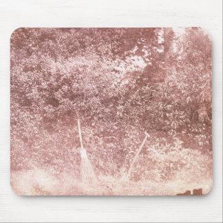 Balai et pelle, 1842 (photo de b/w) tapis de souris