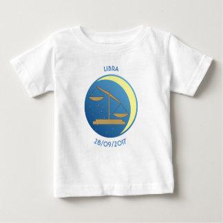 Balance de T-shirt de bébé de signe d'étoile