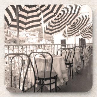 Balcon étrange de restaurant, Italie Dessous-de-verre