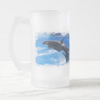 Baleine sautante d'orque chope givrée