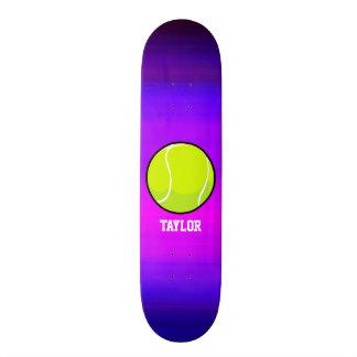 Balle de tennis ; Bleu violet et magenta vibrants Plateau De Skateboard