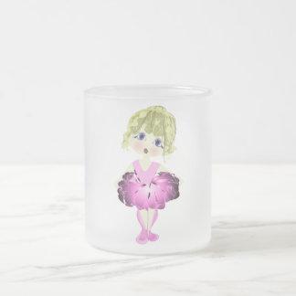 Ballerine mignonne en cadeaux roses d'art de tutu tasse