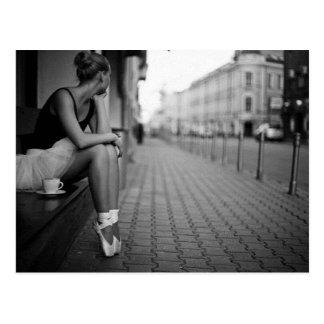 Ballerine noire et blanche carte postale