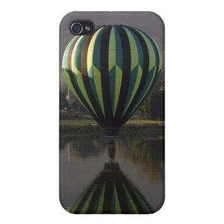 Ballon à air chaud au-dessus de la rivière 2 de coque iPhone 4