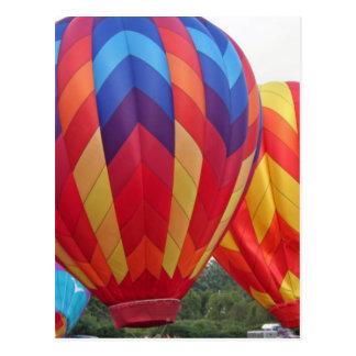 Ballon brillamment coloré carte postale