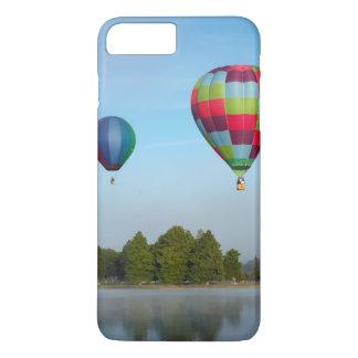 Ballons à air chauds au-dessus d'un lac, NZ Coque iPhone 7 Plus