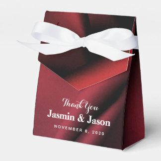 Ballotin en soie rouge fait sur commande de boite faveurs de mariage
