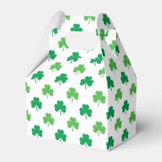 Ballotins 2-Shades des shamrocks verts sur St Patrick blanc