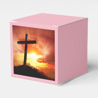 Ballotins Croix religieuse de Pâques au coucher du soleil
