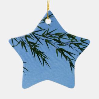 bambou sur ciel de nuages ornement étoile en céramique