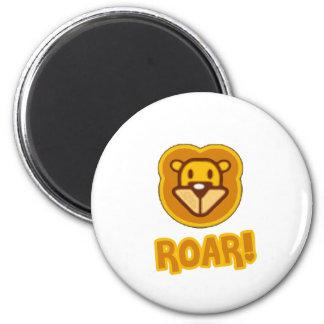 Bande dessinée de lion de bébé magnet rond 8 cm
