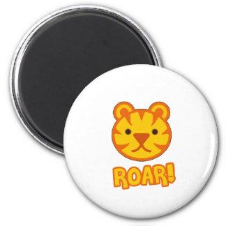 Bande dessinée de tigre de bébé magnet rond 8 cm