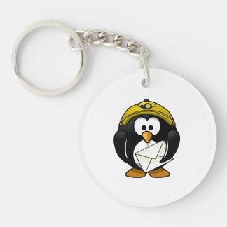 Bande dessinée d'oiseau de pingouin de facteur porte-clef