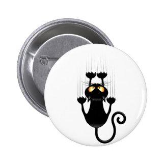 Bande dessinée drôle de chat noir rayant le mur badge