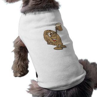 bande dessinée drôle du football tenant une tasse  t-shirt pour chien