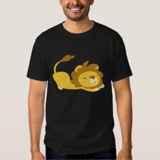 Bande dessinée étirant le T-shirt de lion